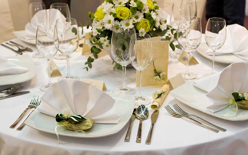linen laundry service for caterers and event planners